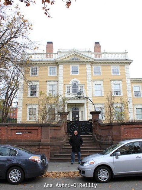 Nightingale-Brown House (1792). Declarada Patrimonio Historico Nacional. Fue donada a la Universidad de Brown en 1985.